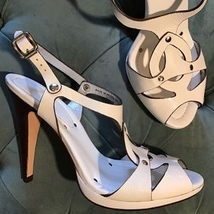 COLE HAAN white high heeled sandals sexy 7 (J6)